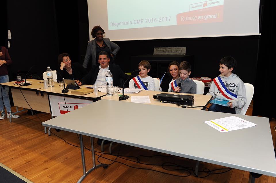 photo de la CCA avec les élus du conseil municipal des enfants